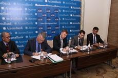 AccessBank и АБР заключили кредитный контракт на сумму в 50 миллионов долларов США для поддержки малого бизнеса в регионах Азербайджана