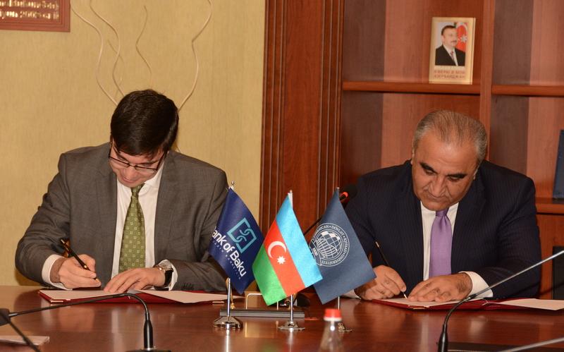 Onlar Bank of Baku-dan təqaüd alacaq (foto)