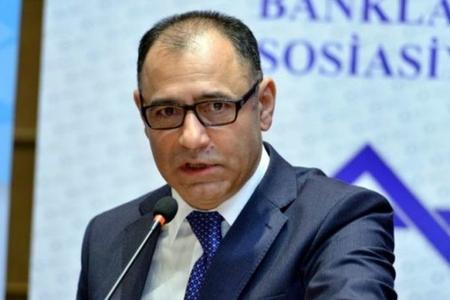 В I квартале азербайджанские банки выдали кредиты на 1,7 млрд манатов