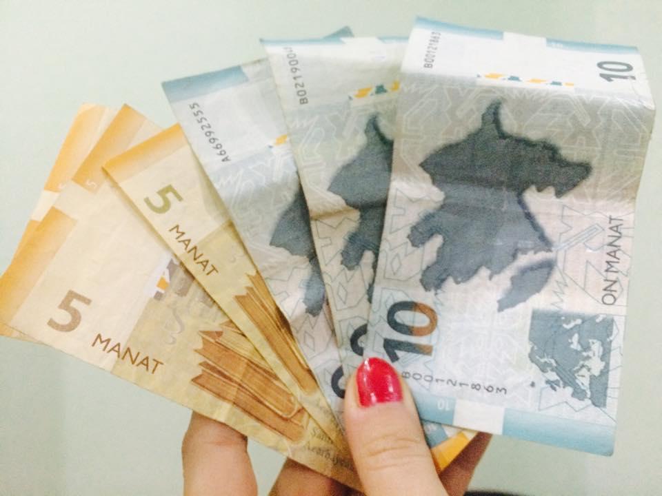 Dollar bahalaşıb, avro ucuzlaşıb