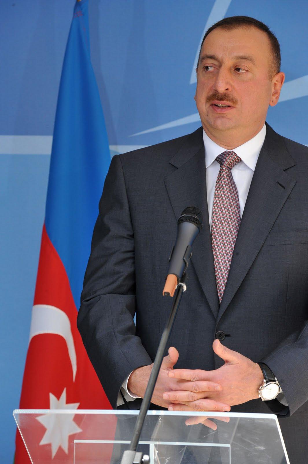 """Prezident İlham Əliyev 2014-cü ili """"Sənaye ili"""" elan edib"""