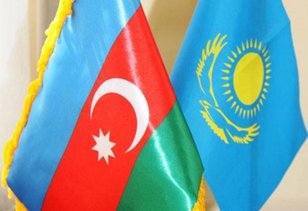 Azərbaycan və Qazaxıstan birgə müəssisələrin yaradılması imkanlarını müzakirə edir