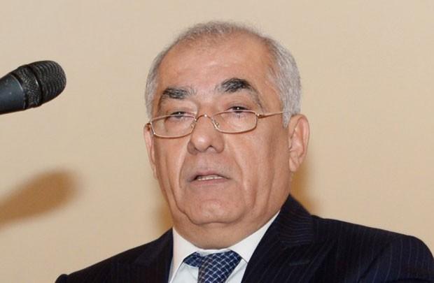 Baş nazir Ədliyyə Nazirliyi və Mərkəzi Banka tapşırıq verdi