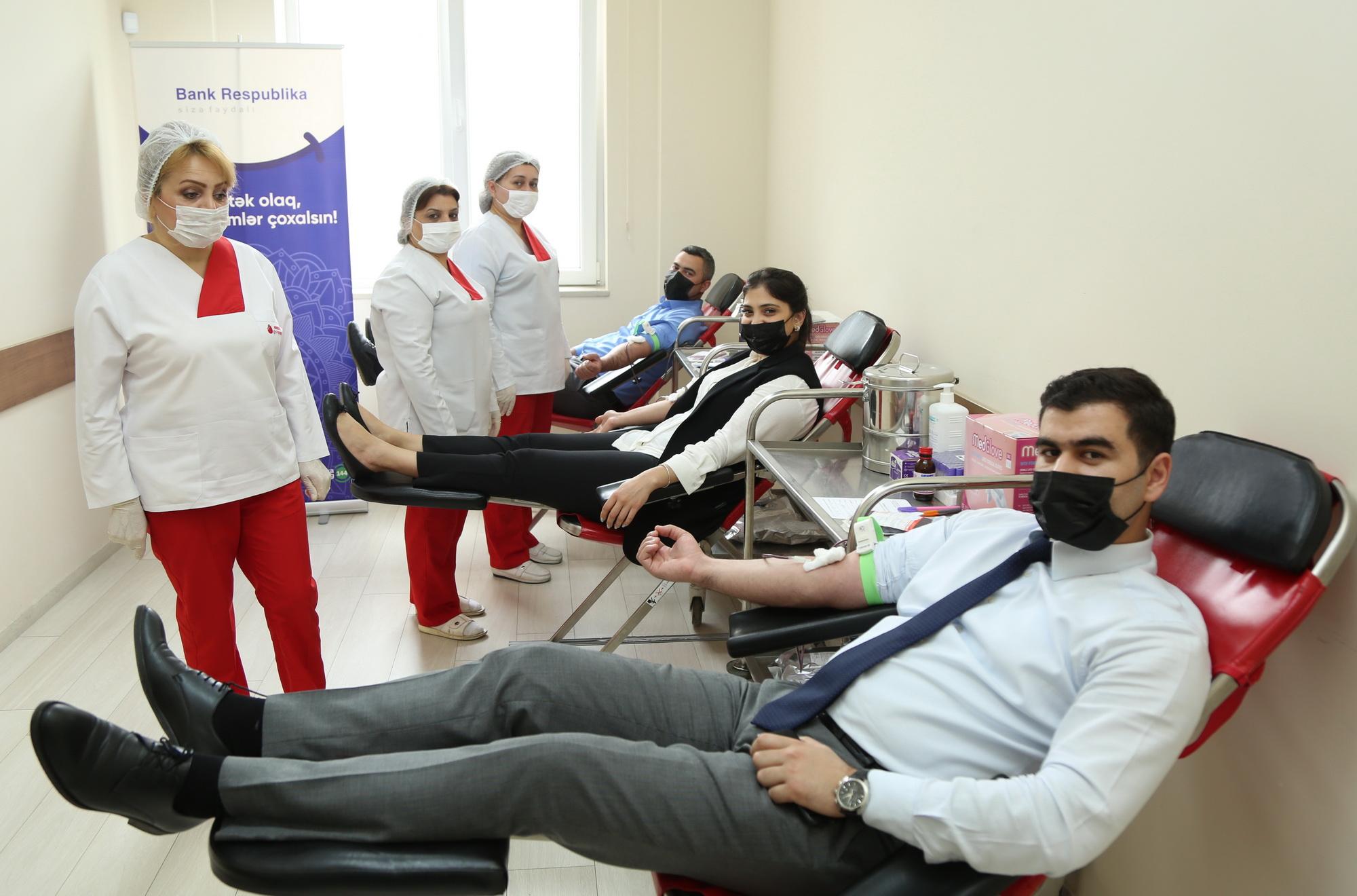 Сотрудники Банк Республика приняли участие в акции по сдаче донорской крови