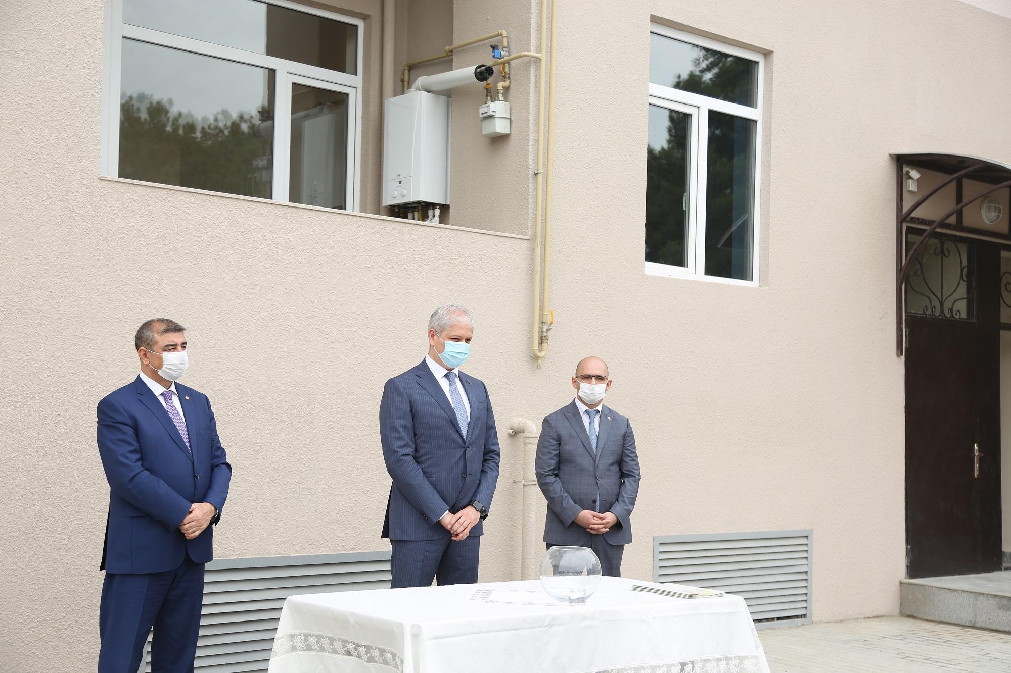 Kapital Bank-ın dəstəyi ilə Qarabağ əlillərinə və şəhid ailələrinə evlər təqdim edildi