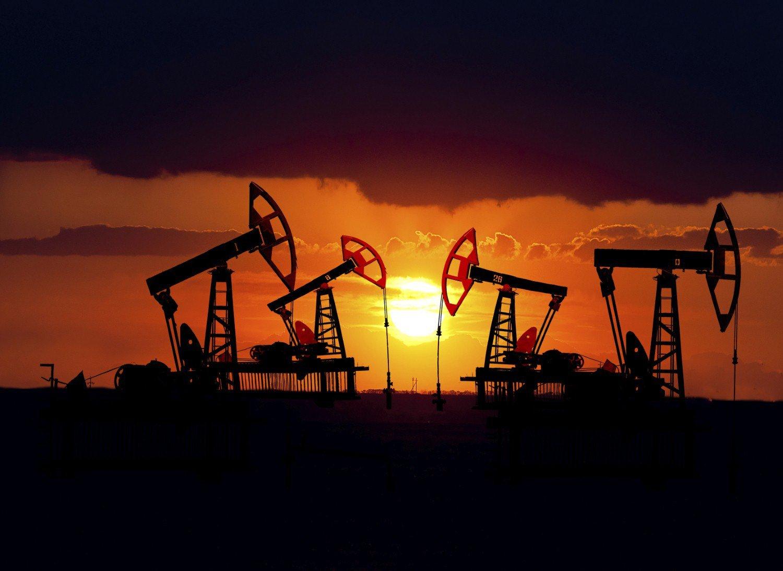 В Азербайджане добыто 2,045 млрд тонн нефти