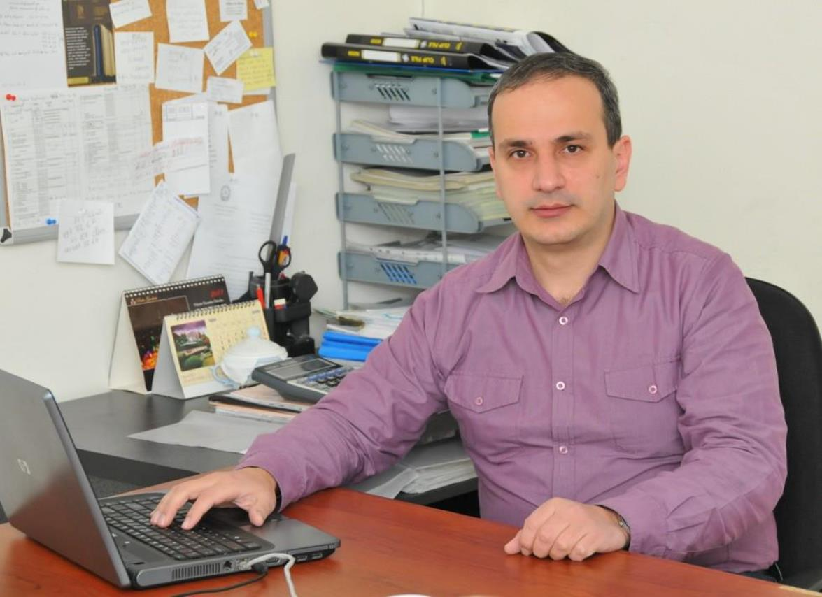 Картинки по запросу İqtisadçı-ekspert Samir Əliyev