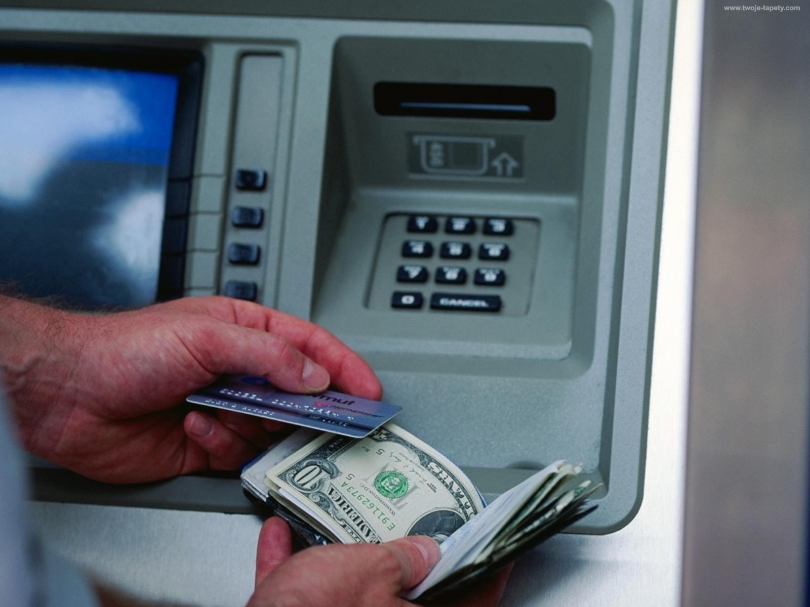 Bankomat onu milyonçu etdi
