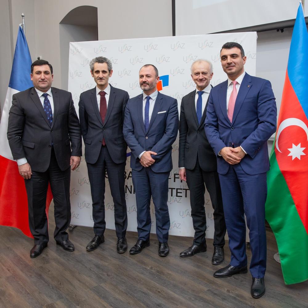 PAŞA Bank Azərbaycan-Fransız Universiteti ilə Anlaşma Memorandumunu imzaladı