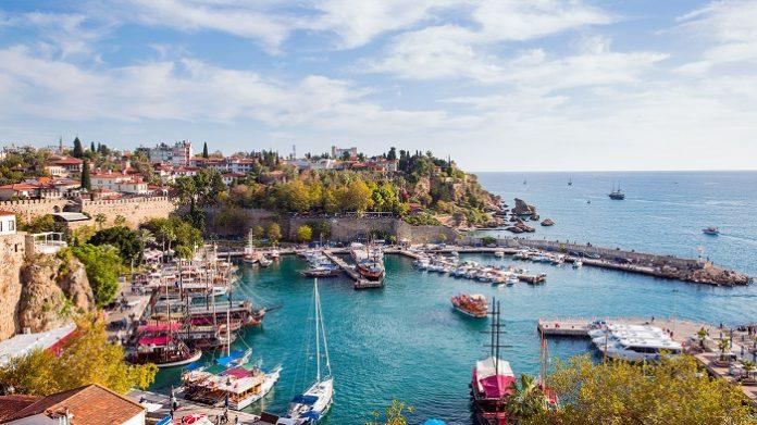 Antalyaya gələn turist sayında rekordlar qırılıb
