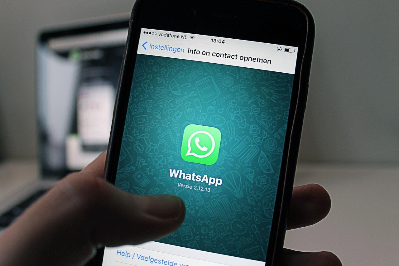 """""""WhatsApp""""dan daha bir yenilik – BARMAQ İZİNƏ KEÇİR"""