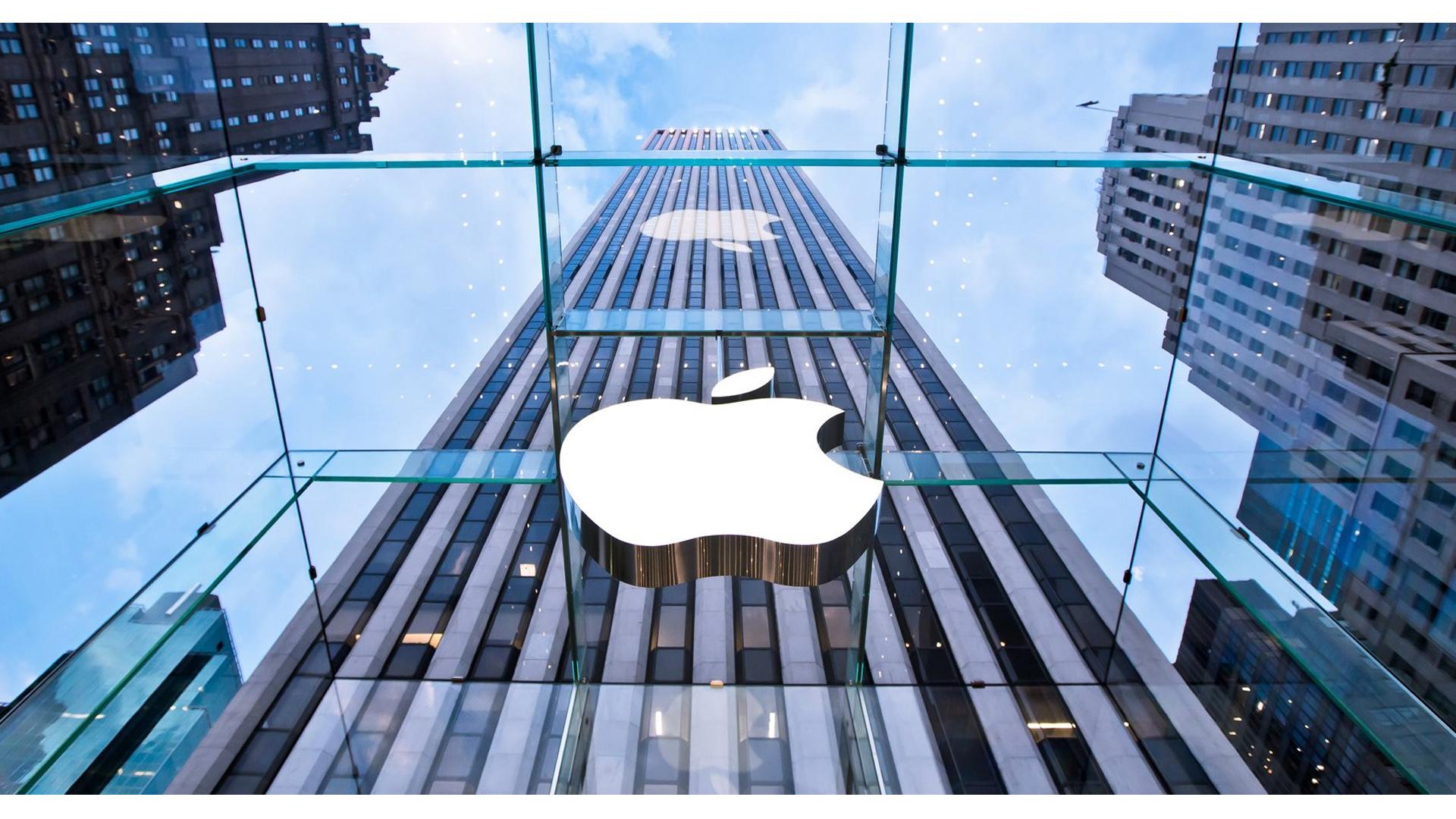 """""""Apple"""" yenə ən bahalı brend seçildi"""