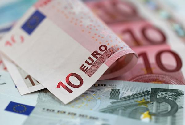 UEFA bütün klublarımıza pul ödədi -