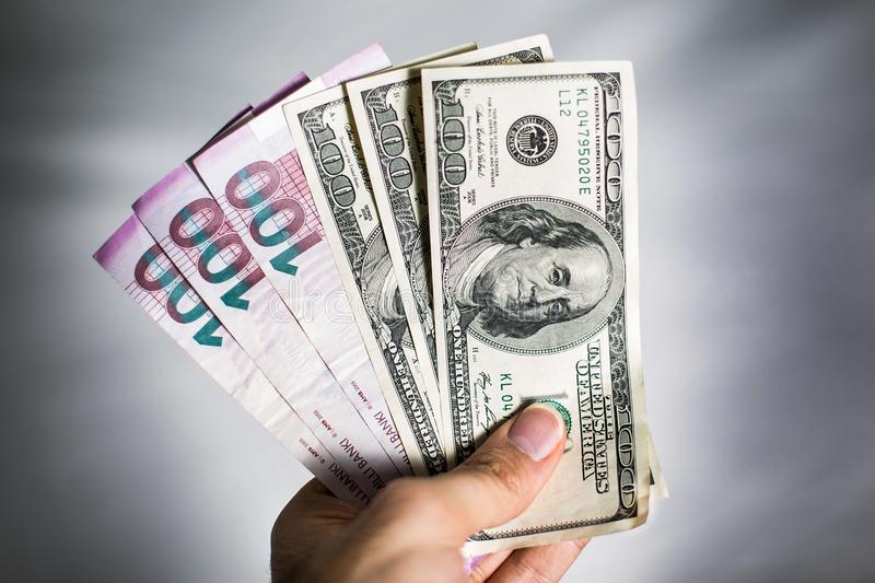 Dolların martın 27-nə olan məzənnəsi