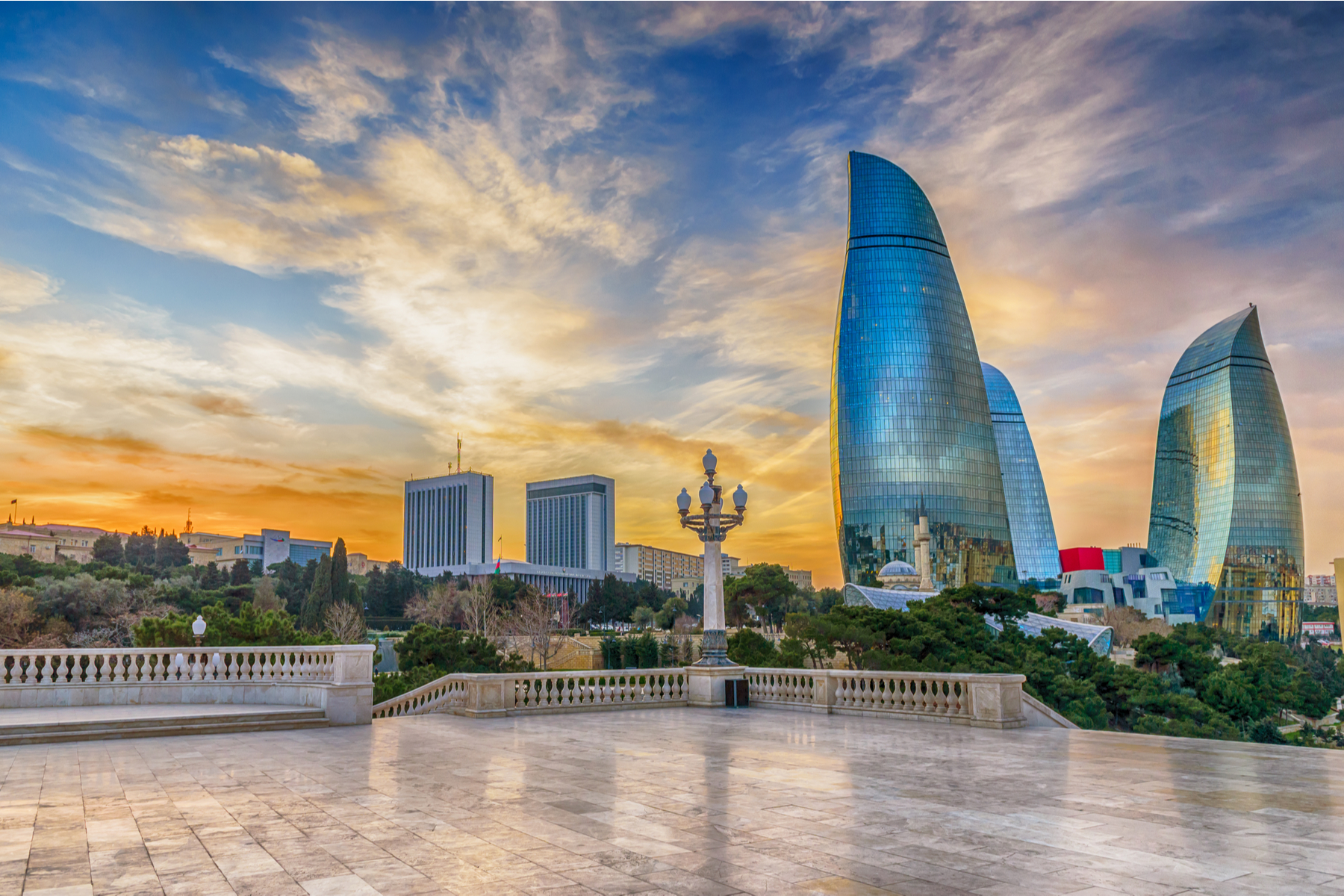 В течение разрешенного времени жители могут передвигаться по Баку