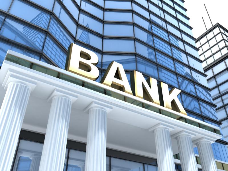 Bəzi banklar bağlana bilər - Ekspert başqa çıxış yolunun olmadığını deyir