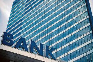 4 bağlanmış bankın əmlakı satışa çıxarılır