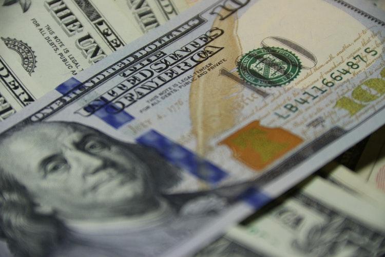 Dollar əlavə olaraq 0.5% də bahalaşa bilər