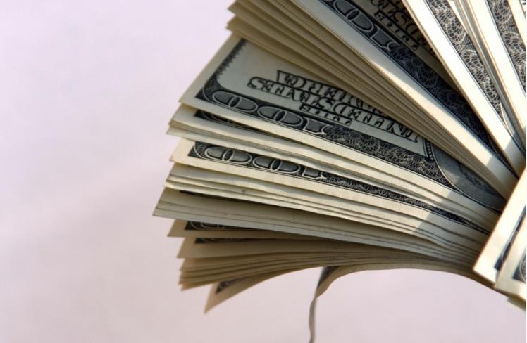 Türkiyədə dollar yeni rekord səviyyəyə yüksəlib