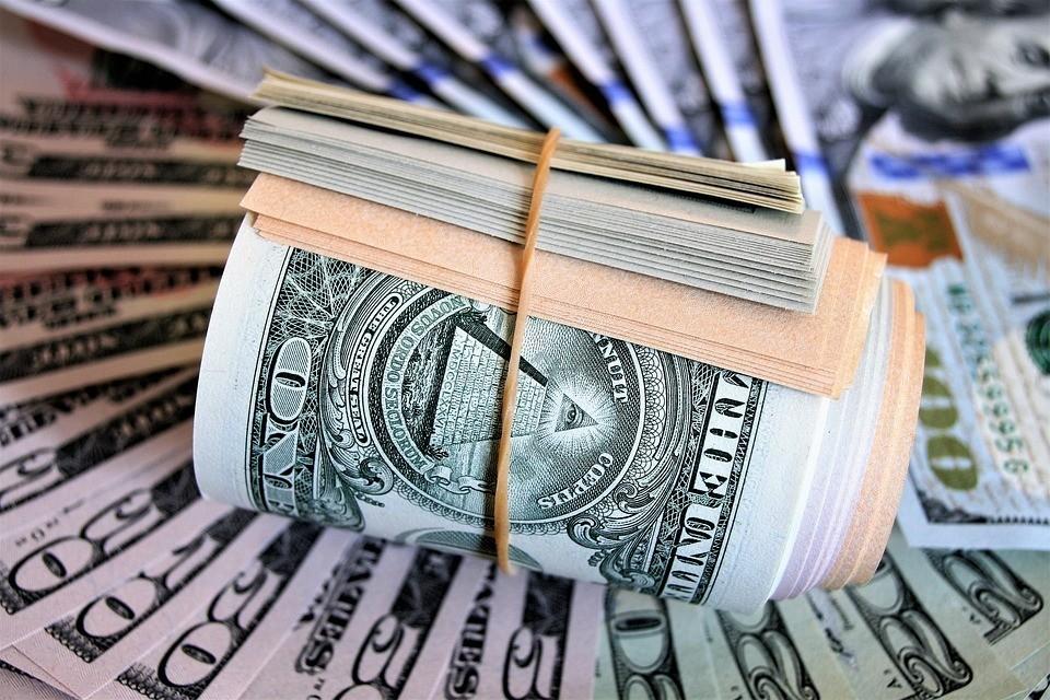 Dünyada şirkətlərin borcu bu il 9,3 trln. dollara çatacaq