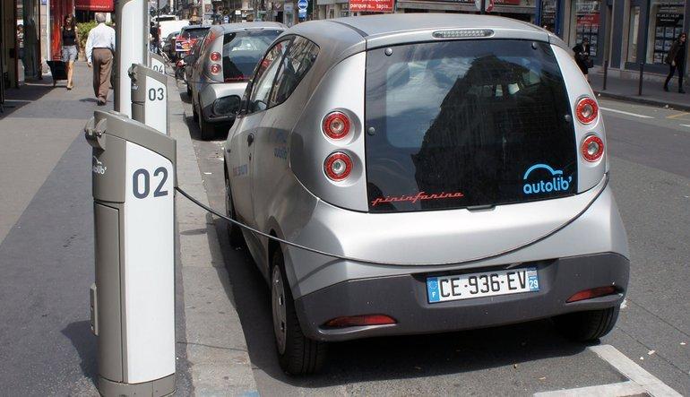 Dünya elektrikli avtomobillərə keçir