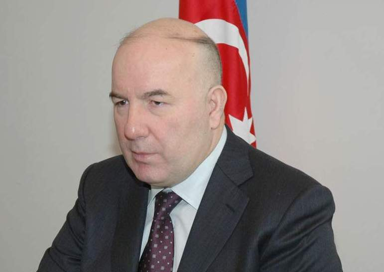 Elmar Rüstəmov bankları sevindirdi