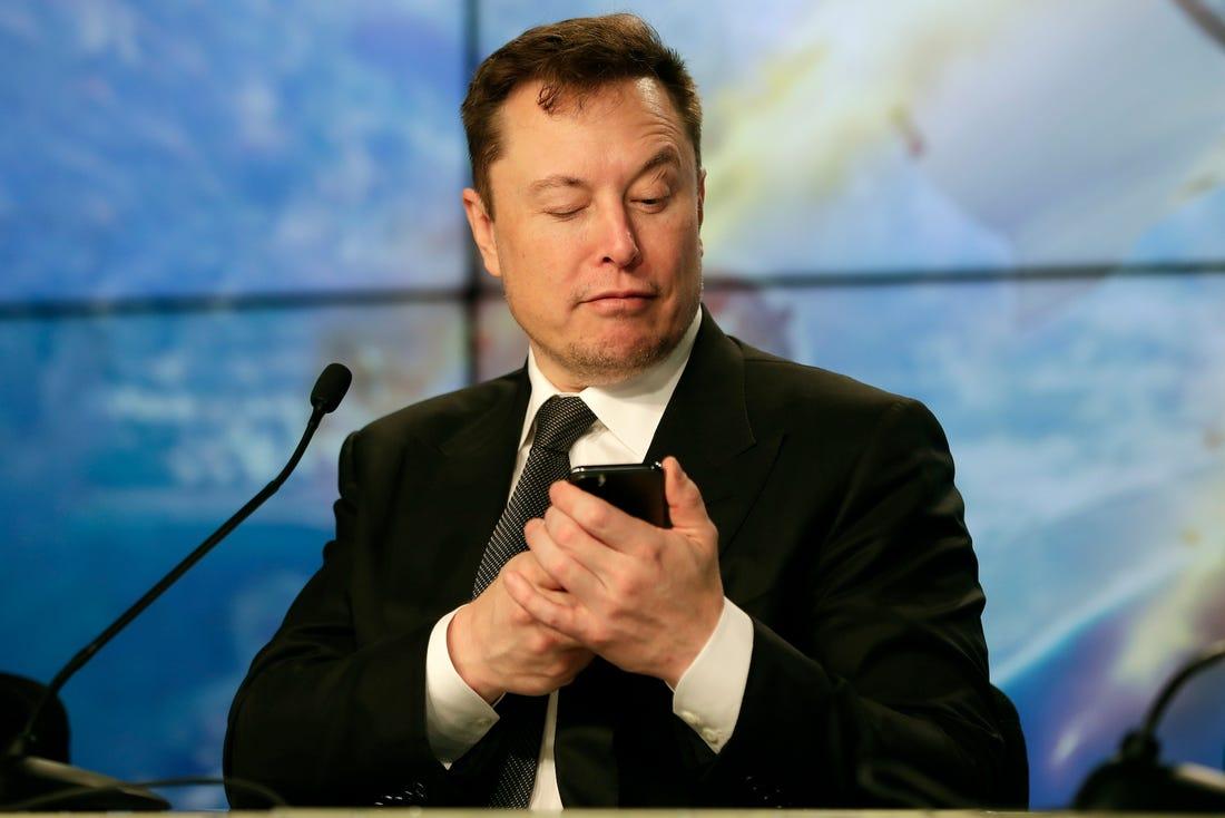 Elon Musk bu video oyunlarını oynadığını etiraf etdi