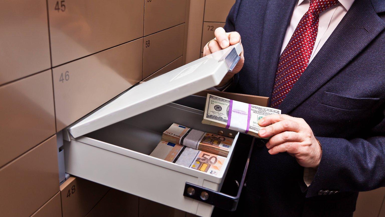Banklara əmanət qoyuluşu artıb