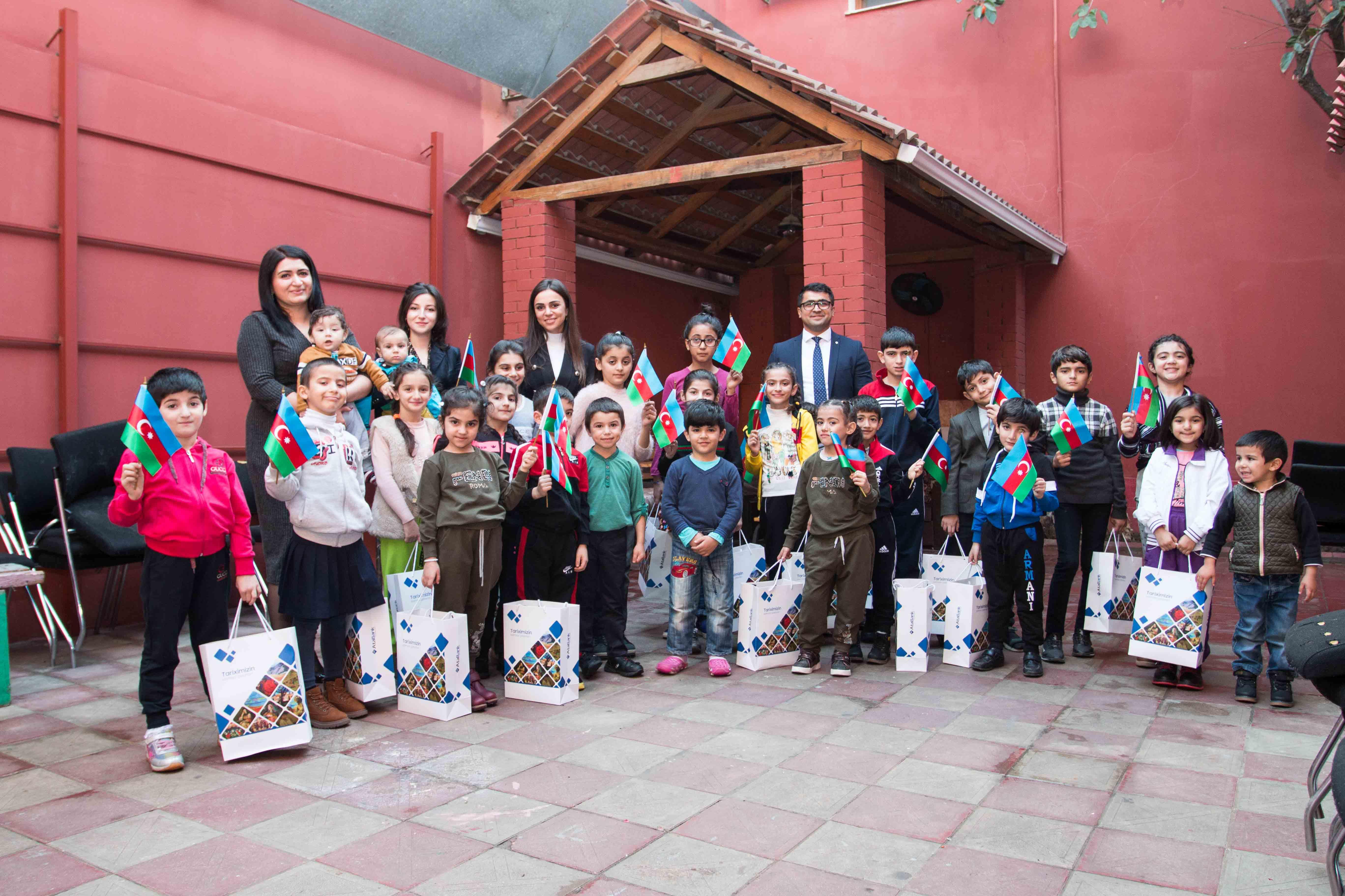 AtaBank Bayraq günü münasibəti ilə sığınacaqdakı uşaqlarla görüşdü