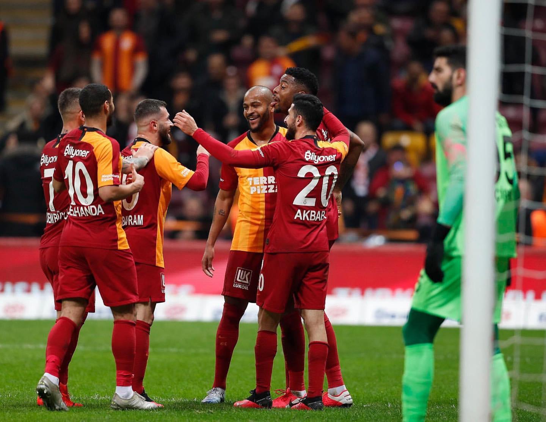 """Ulduz futbolçudan """"Galatasaray""""a bir milyon avroluq jest"""