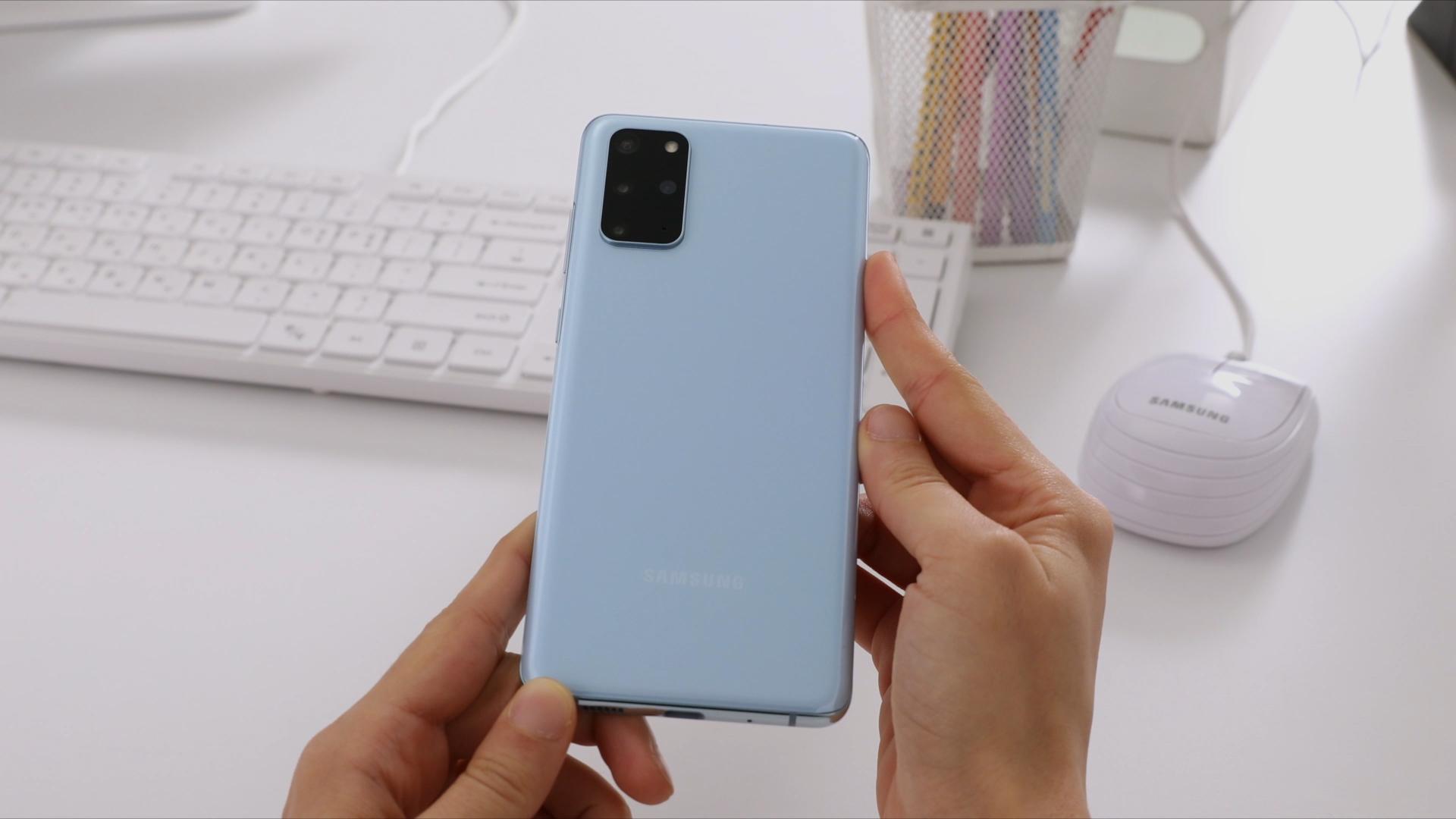 Samsung bu smartfon seriyasını satışdan çıxarır