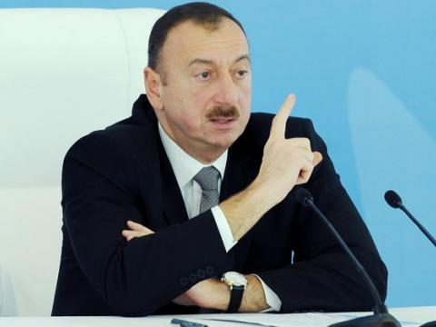 """«Ali Məhkəmə """"Ata Bank""""ı himayə edənlərin torpaq mülkiyyətimizi ələ keçirməsinə susur»"""