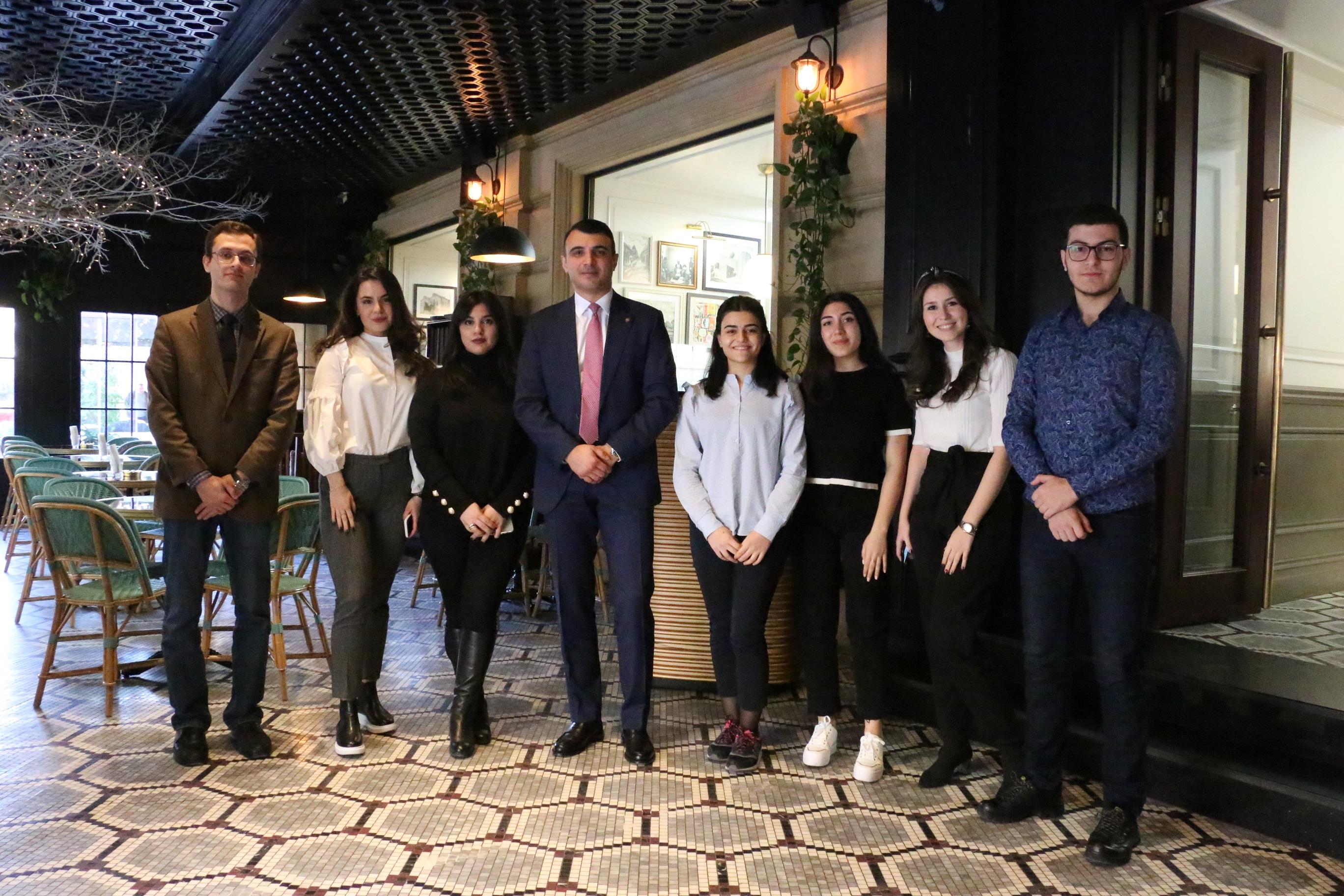 Студенты Университета АДА встретились с Председателем Правления PASHA Bank