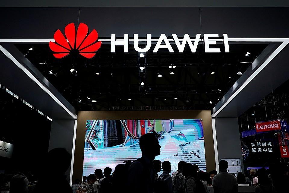 Google и другие компании из США прекращают сотрудничать с Huawei. Ее смартфоны не смогут обновляться