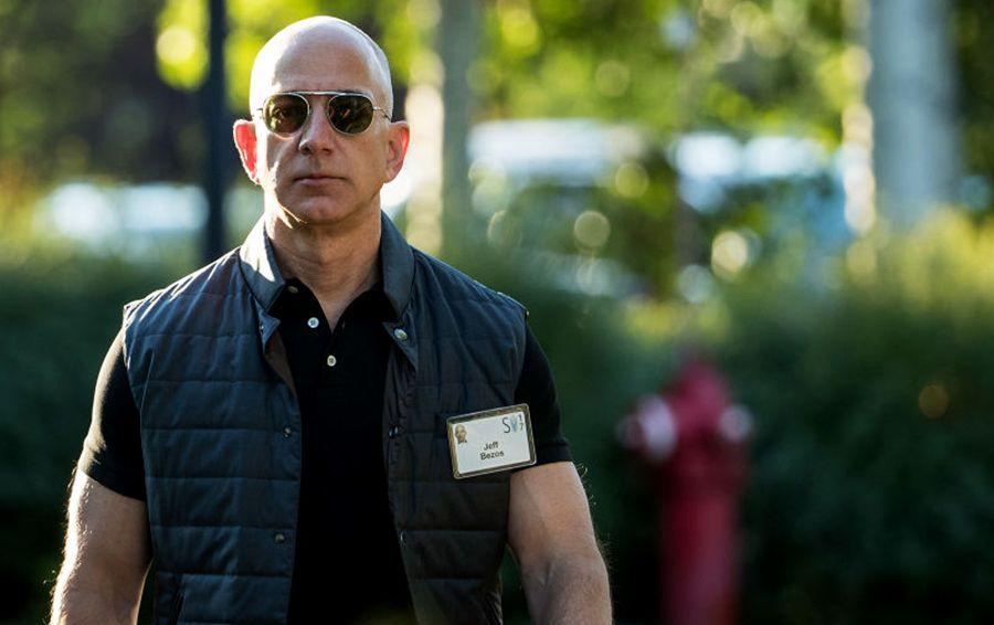 Zirvədən üzü aşağı: Bezos iki həftədə $8 milyard itirdi