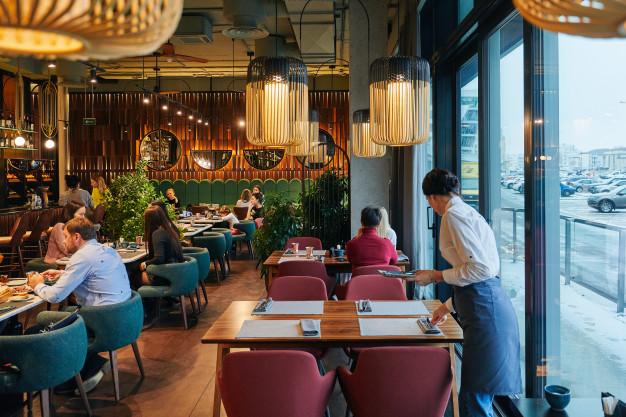 Bu ölkədə kafe və restoranlar yenidən erkən bağlanmağa başladı