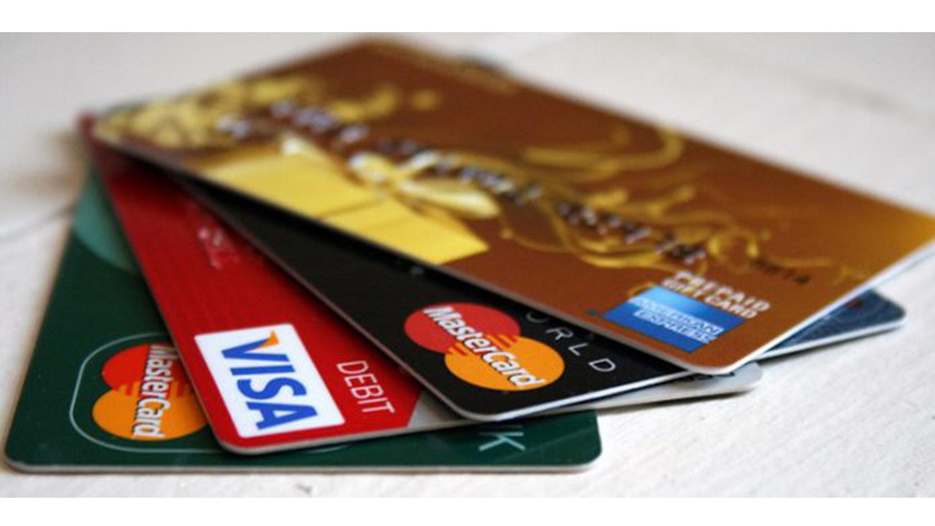 ABŞ-da kredit tarixçəsinin qurulması – İLK KREDİT KARTI NECƏ ALINIR?