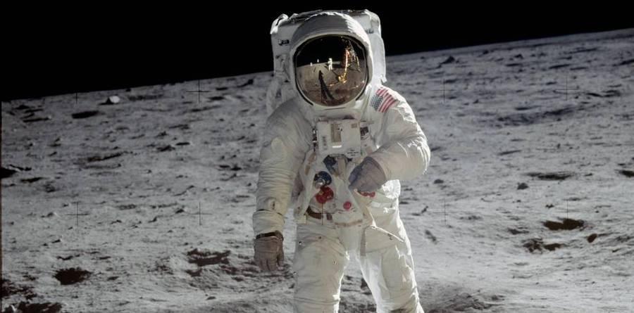 Илон Маск назвал имя первого в мире туриста, который отправится к Луне