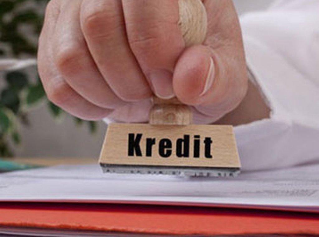 Kreditlər kimə düşərlidir?