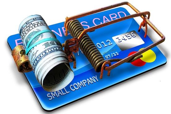 Kredit kartlarında gözlə görünməyən tələlər