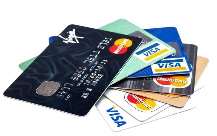 Əhalinin kredit kartlarından istifadəsi aşağı düşüb