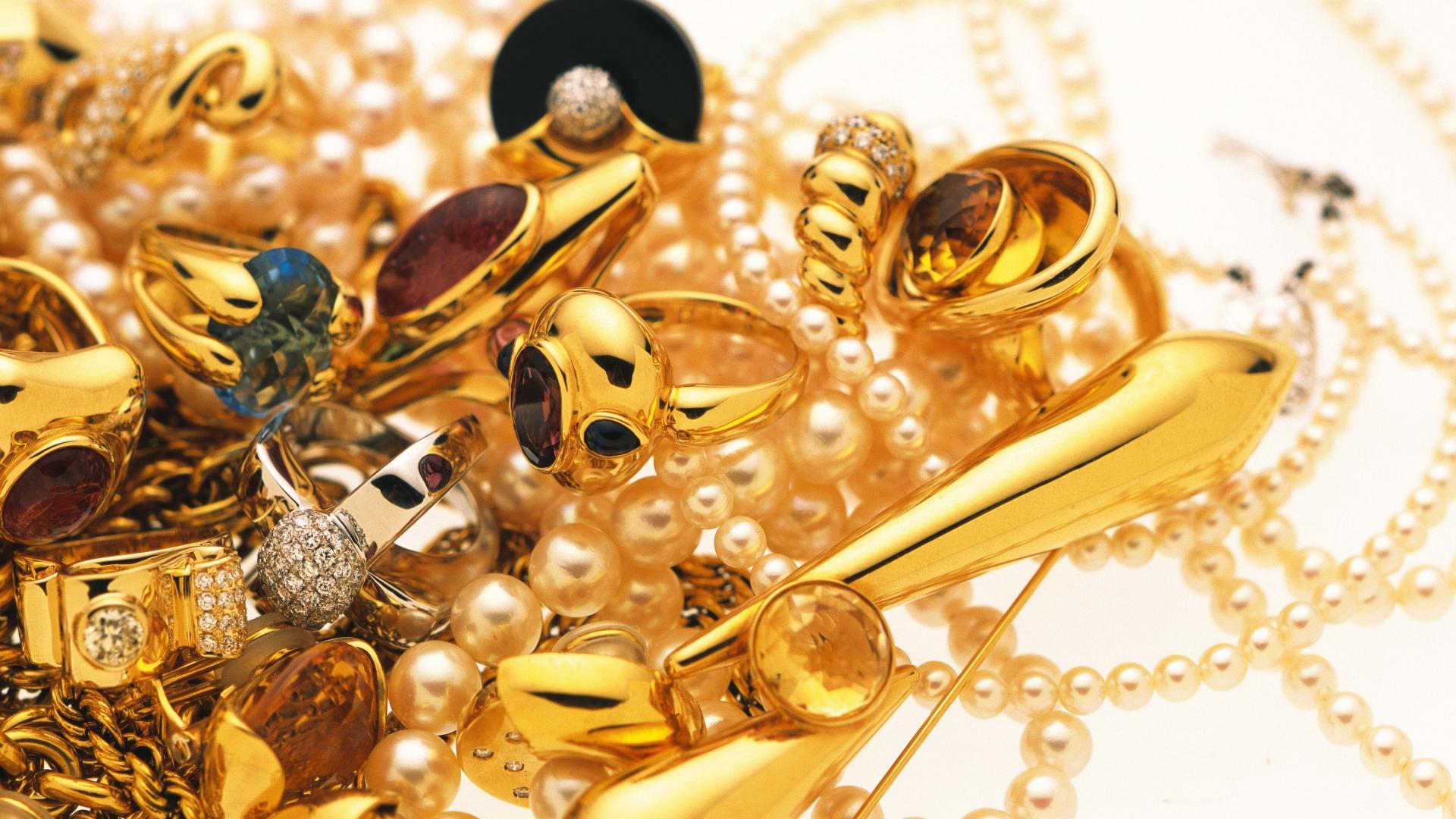 Ilin sonuna qızılın qiymətinin ucuzlaşacağı gözlənilir