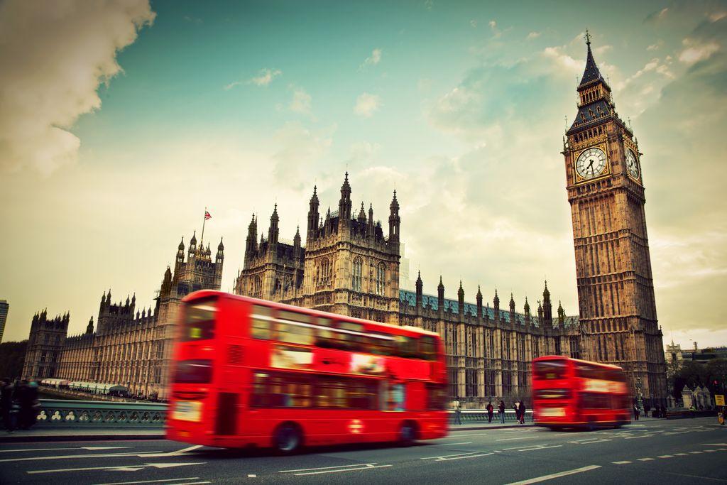 Londona əlavə xərcsiz pul göndər
