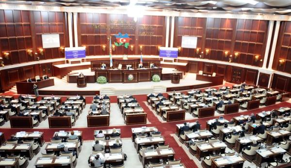 Milli Məclis 2016-cı ilin dövlət büdcəsini təsdiqləyib