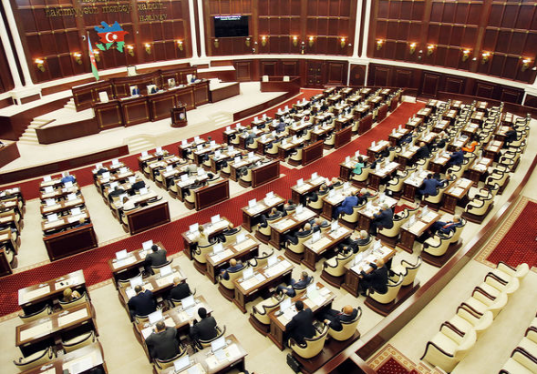 Parlament vergi borclarının tənzimlənməsini nəzərdə tutan qanun layihəsini qəbul edib