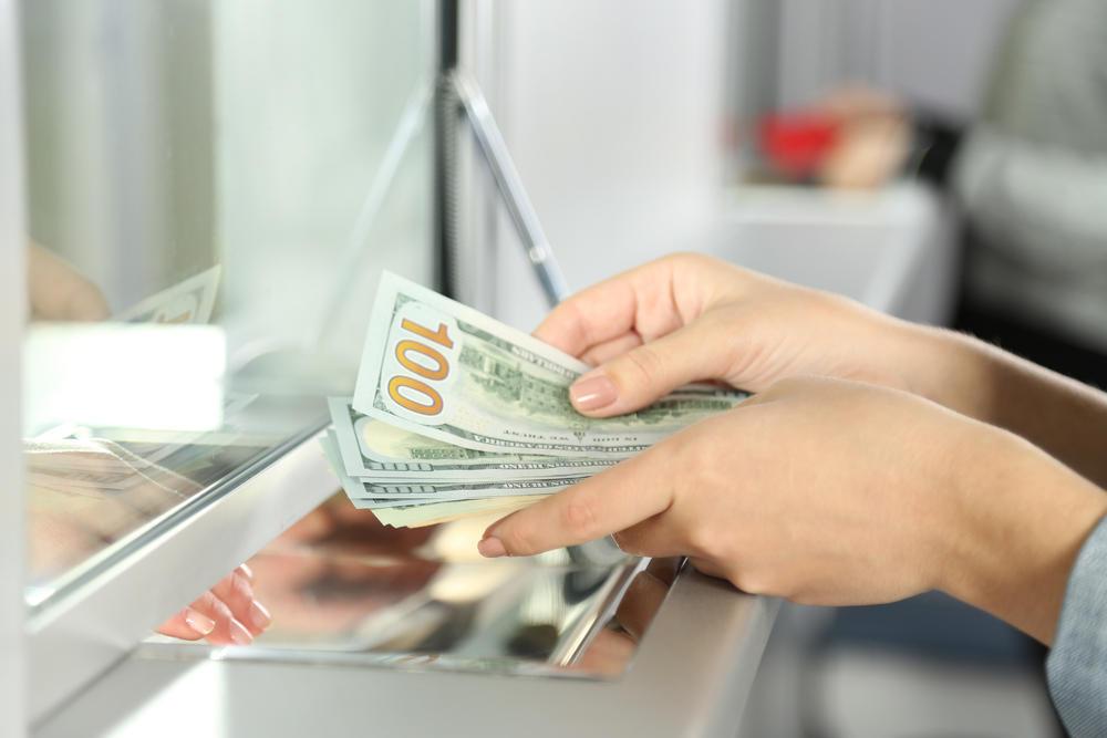Xarici valyutaları ən sərfəli alıb-satacağınız banklar - CƏDVƏL