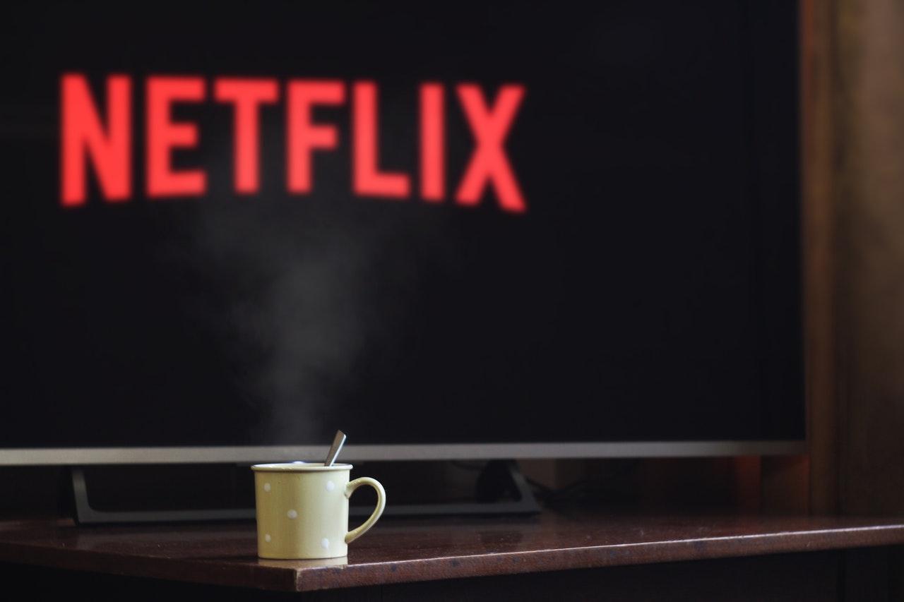 Netflix karantin günlərində faydalı olacaq iki yeni funksiya elan etdi