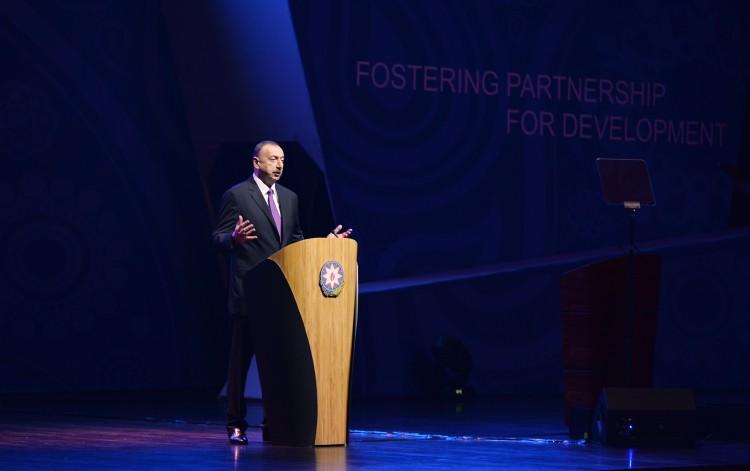Prezident İlham Əliyev: Manatın məzənnəsi nəzarət altında olacaq