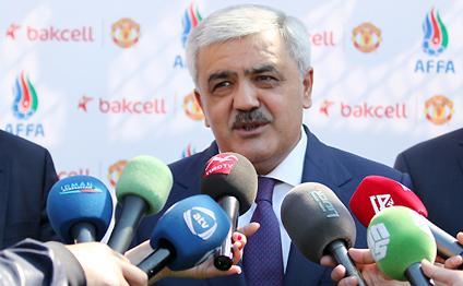 Rövnəq Abdullayev benzinin bahalaşmasından danışdı (VİDEO)