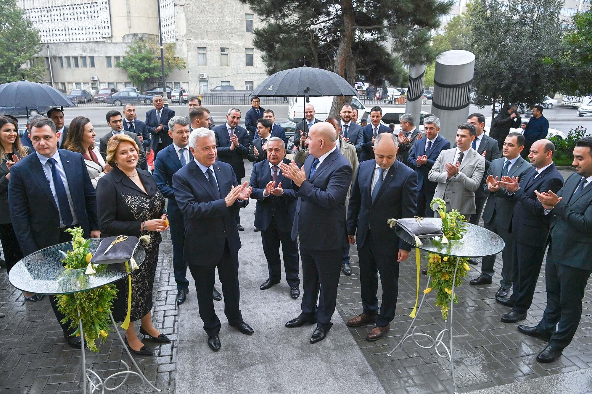 Вагит Алекперов принял участие в открытии нового головного офиса Yelo Bank